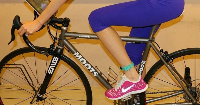 How to wear a fitness tracker on the ankle